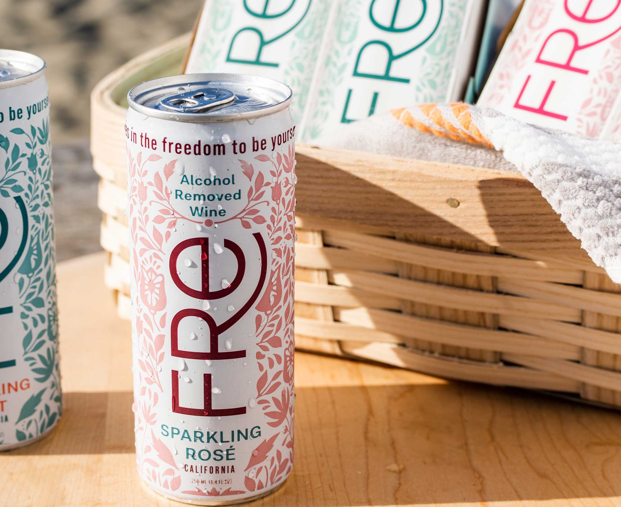 can of FRE Sparkling Rosé